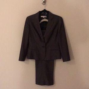 Ladies 2 piece business suit